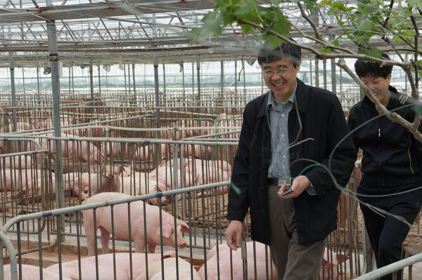 Veterinarian dedicated his life to farmers