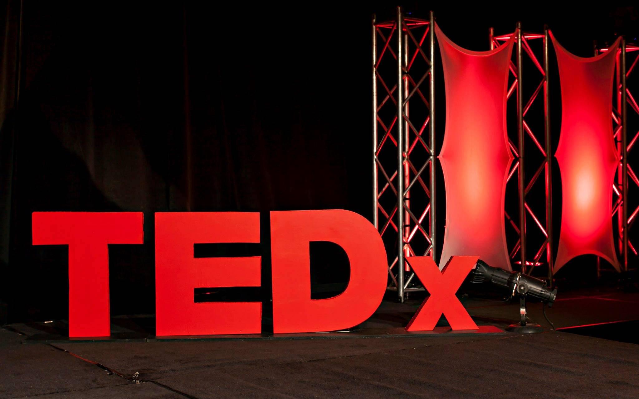 Las 10 charlas TED que deberías ver si no sabes qué hacer con tu vida (según TED)  https://t.co/bnNsNzzZzx https://t.co/ClCXpZiwto