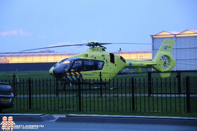 Traumahelikopter naar de Kreeklaan https://t.co/fZZmeKDhis https://t.co/4cbLak6JjQ