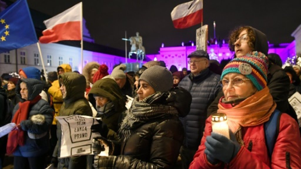 Polish PM expects EU sanctions over rule of law
