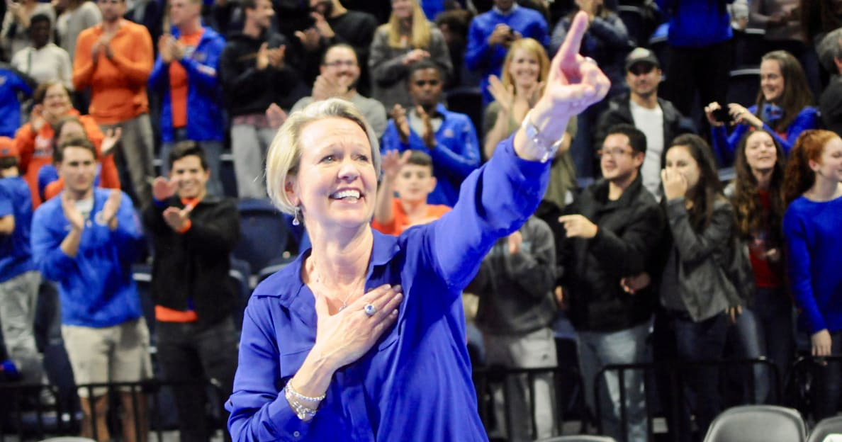 Florida volleyball tops Stanford, will play for national championship