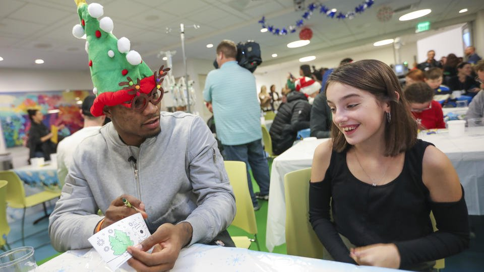 Celtics bring holiday cheer to kids at Boston Children's Hospital