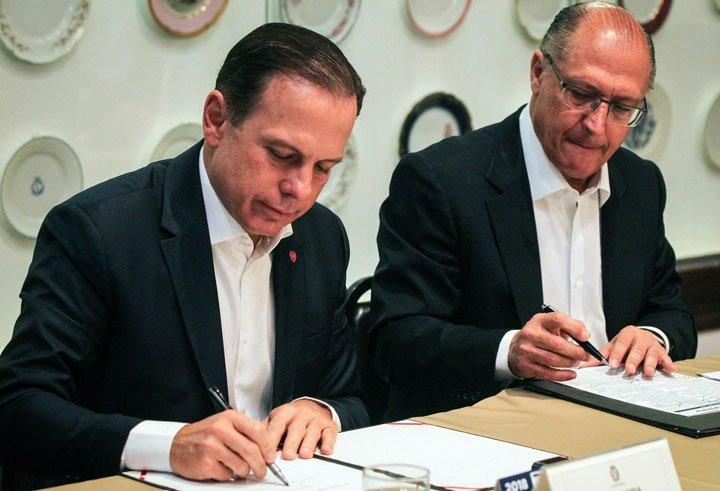 @BroadcastImagem: Alckmin recebe Doria para reunião no Palácio dos Bandeirantes, na zona sul de SP. Felipe Rau/Estadão