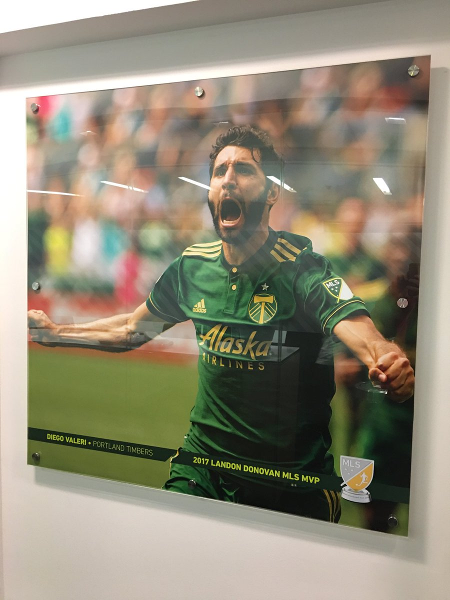 RT @SeanDennisonMLS: Latest addition to the walls of MLS HQ @DiegoDv8 @TimbersFC @timbersarmy #RCTID https://t.co/ge31mYR0bi