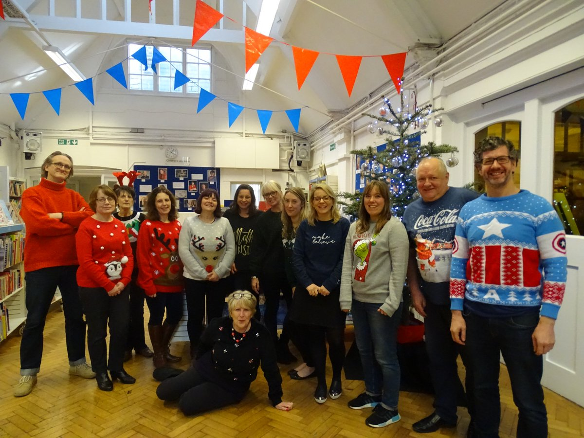 test Twitter Media - RT @clpe1: Here we all are in our #christmasjumperday2017 finery. https://t.co/jVcNjsecHU