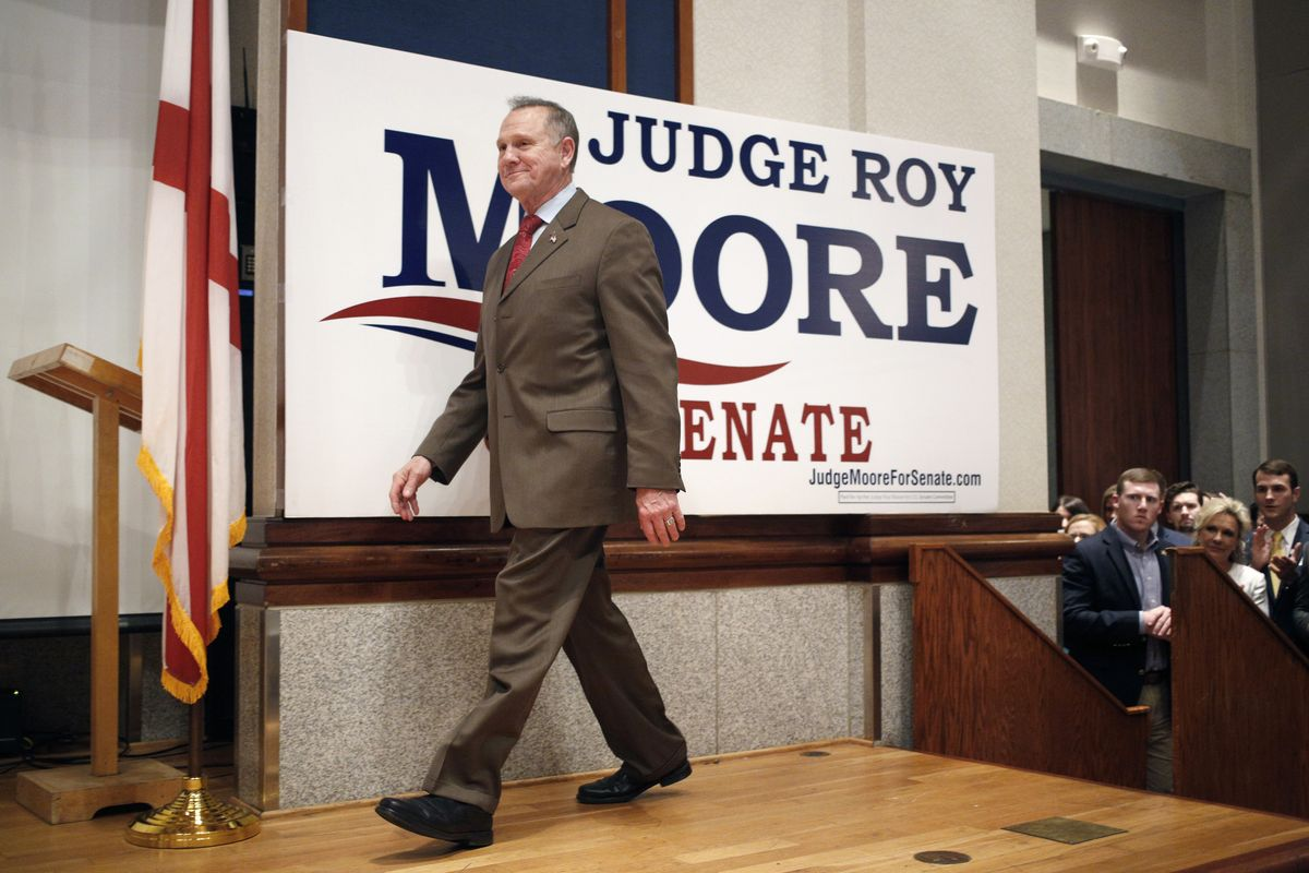 test Twitter Media - Trump says Roy Moore should concede loss in Alabama Senate race https://t.co/dWbROoocvN https://t.co/VqpblykWIj