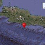 RT : GEMPA! 7.3 SR Laut Jawa Barat.2017-...