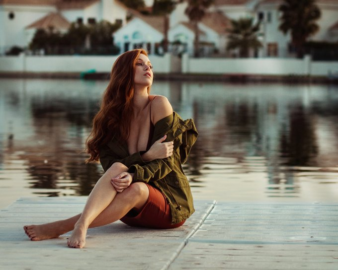 4 pic. ❤️❤️❤️ #photographer @soul_s_imagery #dress @honeybum https://t.co/51Ri4J3orH