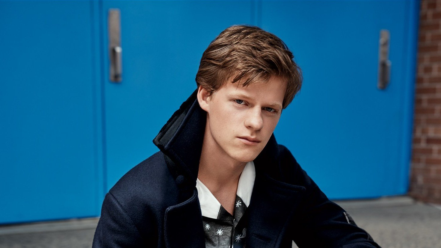 .@LadyBirdMovie and 'Three Billboards' star Lucas Hedges doesn't mind the pressure https://t.co/miBqXVIfxh https://t.co/33fzTuc8LL