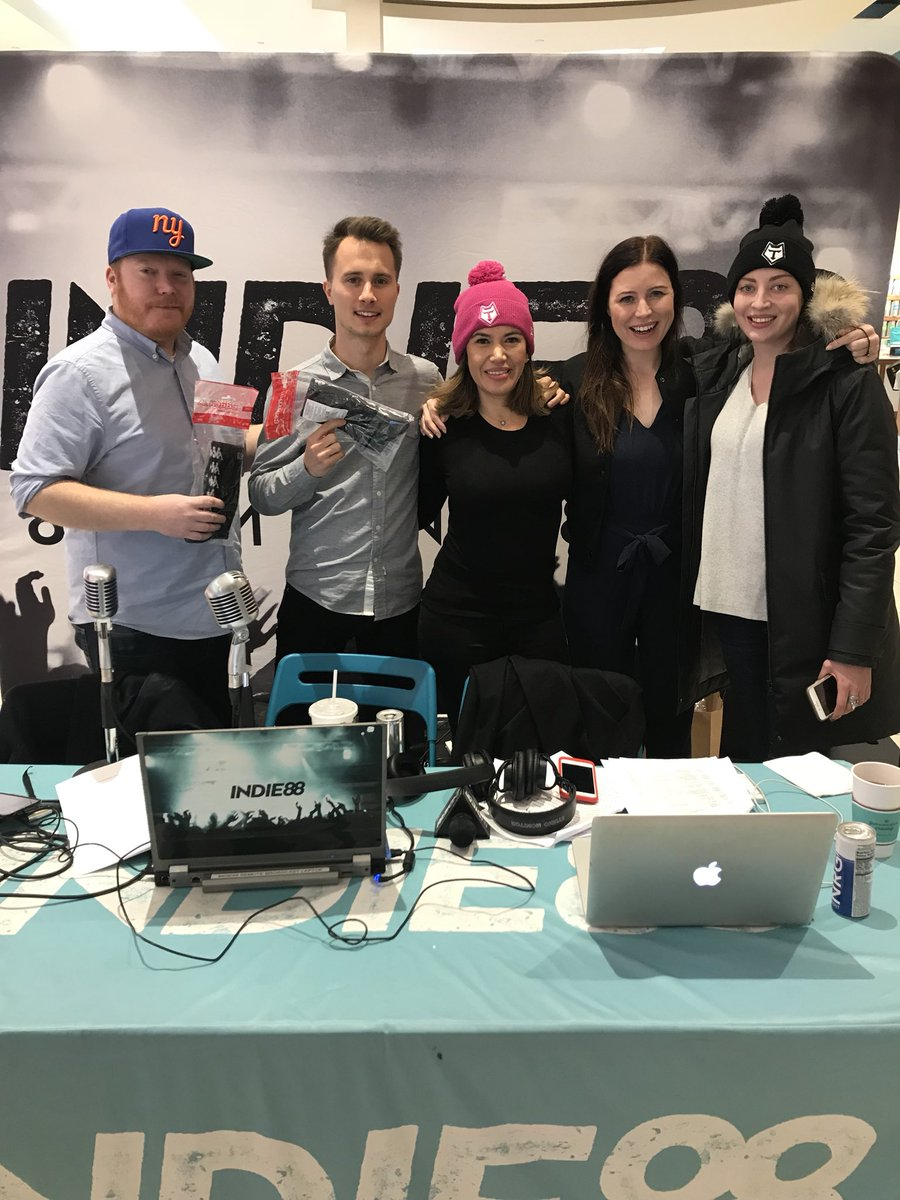RT @Indie88Toronto: Thanks @TOwolfpack for dropping off over 250 pairs of socks! #socksforthrstreets https://t.co/lKKW0YrALn