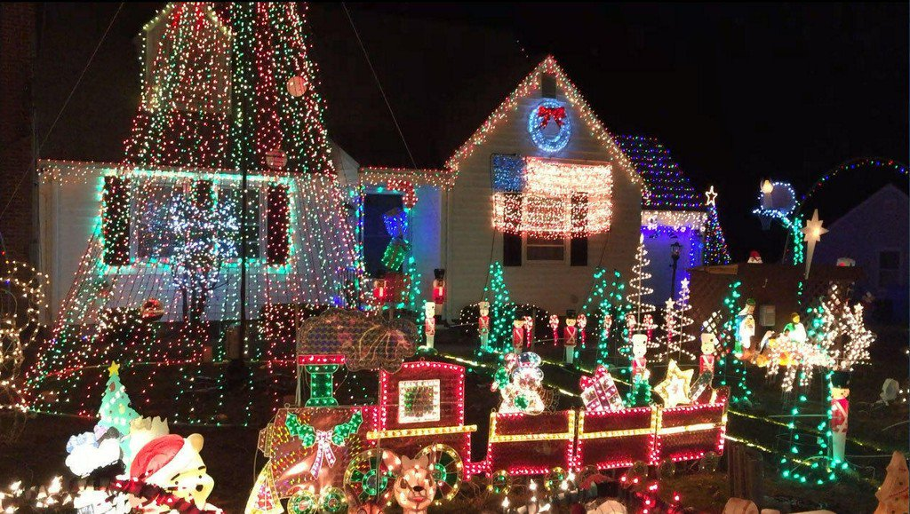 Plainville Son Honors Late Mom With Massive Christmas Light Show