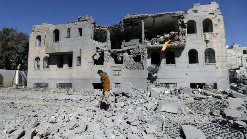 Yemen air strikes, clashes kill 51