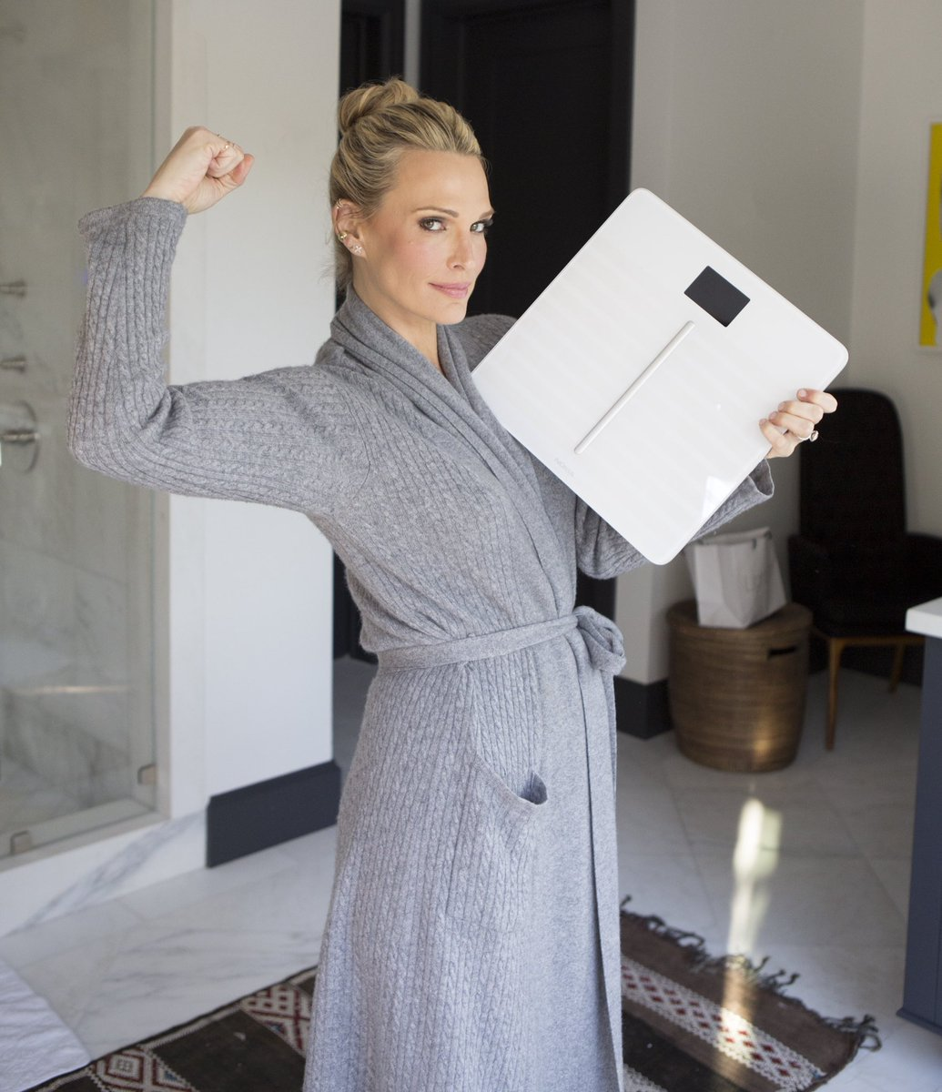 ".@NokiaHealth's Body Cardio Scale is helping me stay on track this holiday season to make sure I'm maintaining my weight and health! 💪🏼 Give the #GiftOfHealth this year by using ""MollySims20"" to receive 20% off the Body Cardio & Plus scales #ad Shop: https://t.co/kg6tf6n9Wi https://t.co/yWMUSb5TK1"