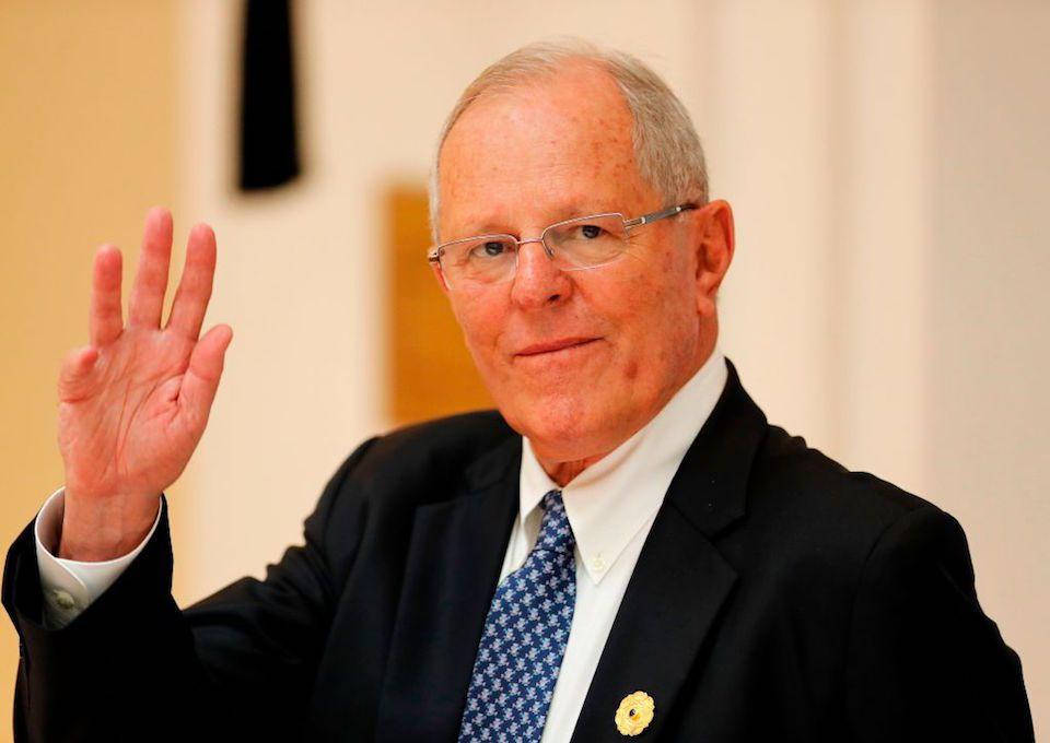 URGENTE  Congreso de Perú aprueba moción de vacancia presidencial https://t.co/ZoIhbsklT1 https://t.co/HlaOeXVLbA