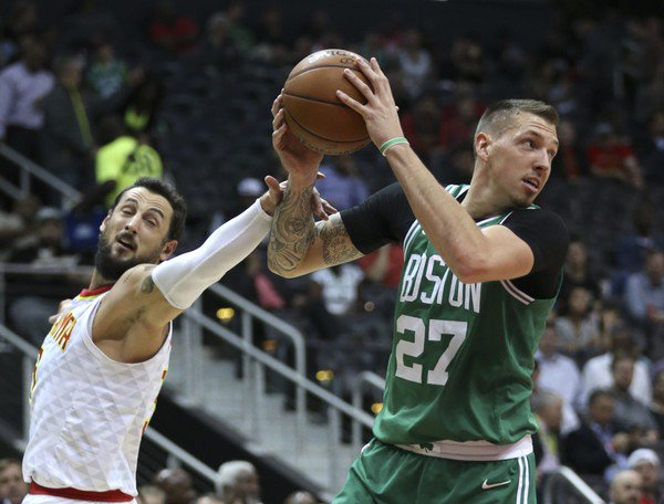 Boston Celtics news: Daniel Theis broke his nose, still traveling with team to Memphis