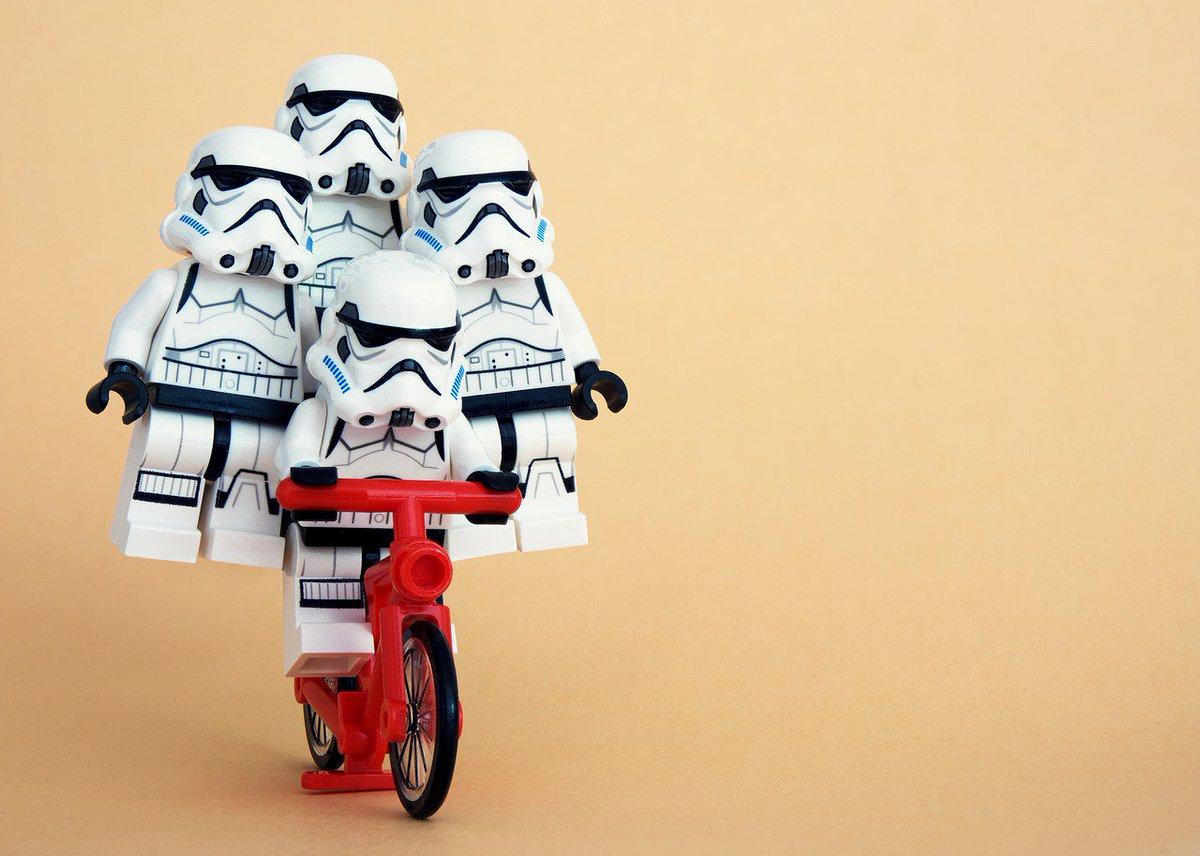 #ImTooOldTo Watch Star Wars.... Said no one ever! @starwars @HamillHimself #saturdaymorning https://t.co/02Zvjft9bv