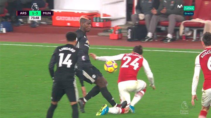 Paul Pogba vs Harry Kane & Dele Alli 🤔🤔🤔 https://t.co/a2eJa9bXrZ