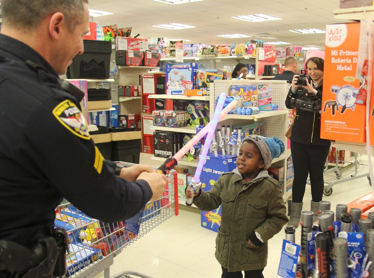 Shop with a Cop event 'a very big blessing'