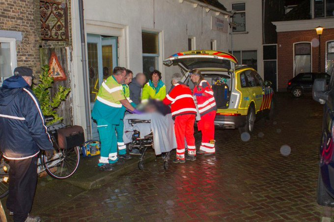 Vlaardingen; Man bewusteloos vanwege koolmonoxide https://t.co/YhztMPmw2d https://t.co/0hzAX6oo8t