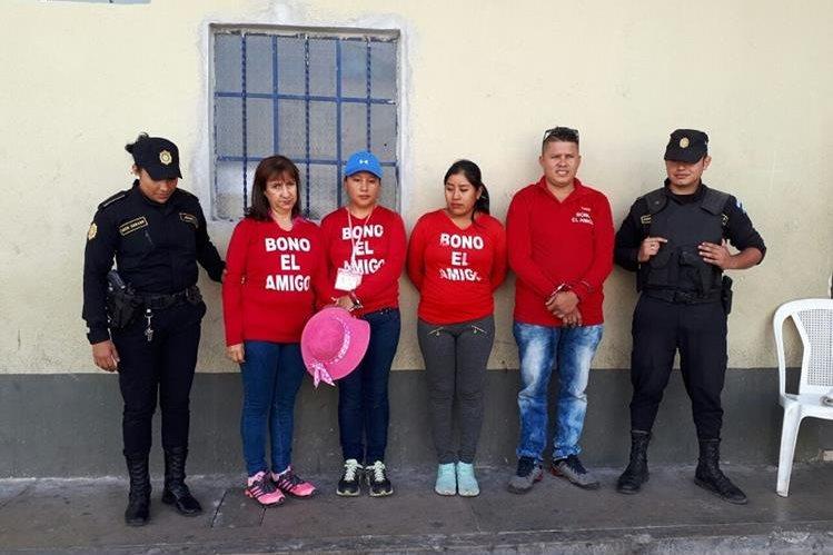 Capturan a cuatro presuntos integrantes de lotería ilegal