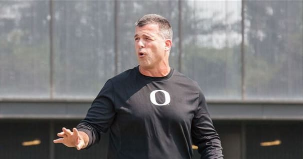 Reaction to Mario Cristobal's first game as Oregon coach is not kind