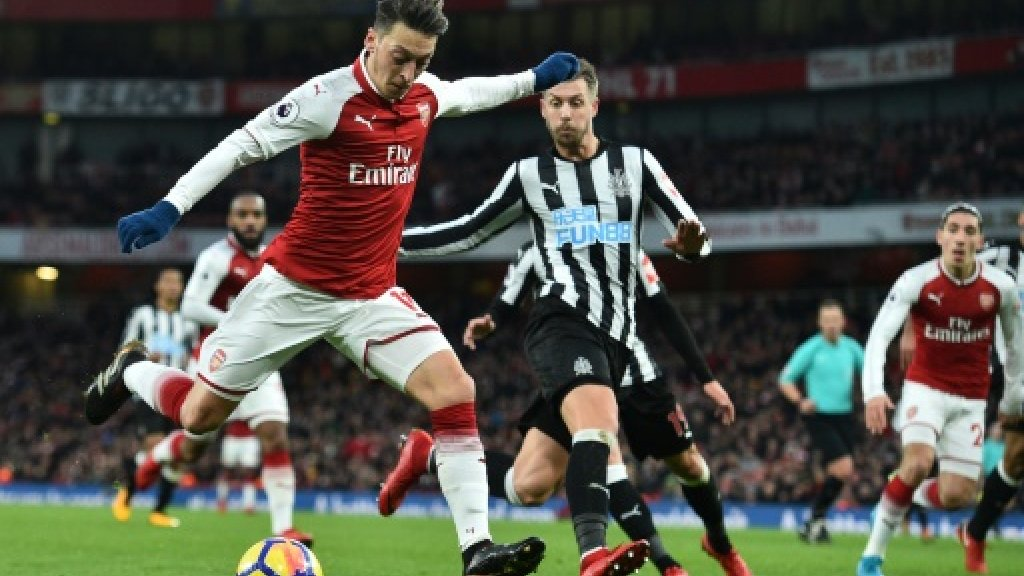 Chelsea sink Saints, Ozil cracker downs Newcastle
