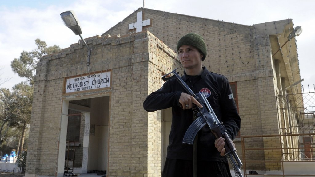 Deadly suicide attack on church in southwest Pakistan