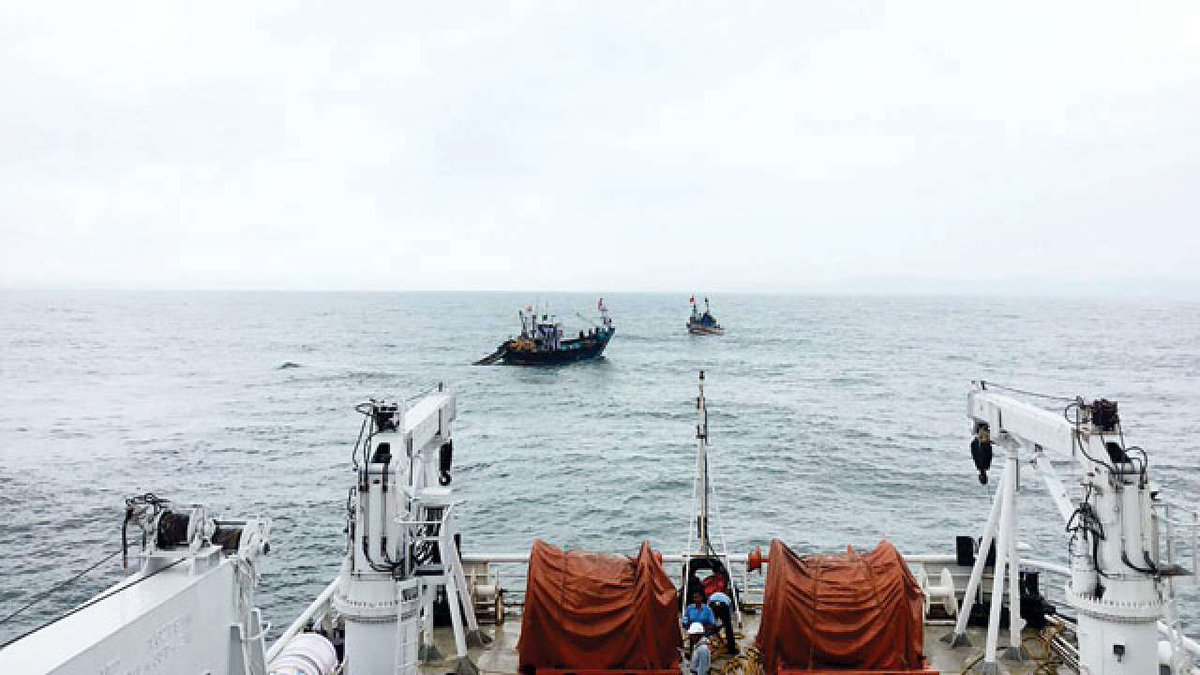 One Sri Lankan fisherman rescued by Indian fishermen, another one missing
