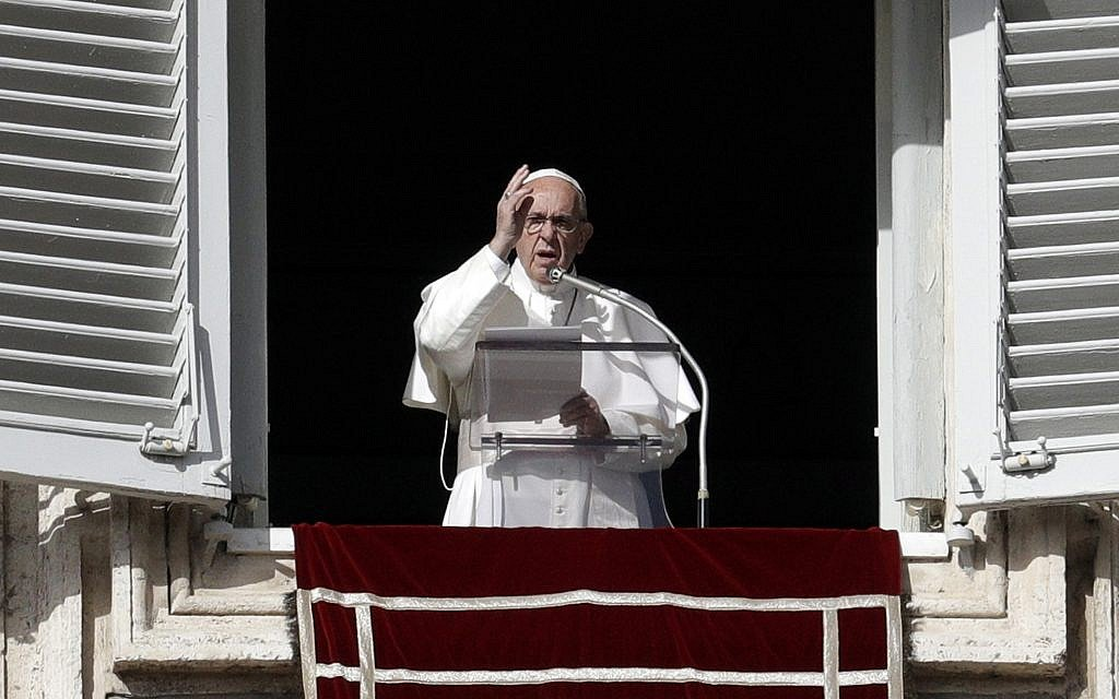 Pope says 'fake news' a 'very serious sin'