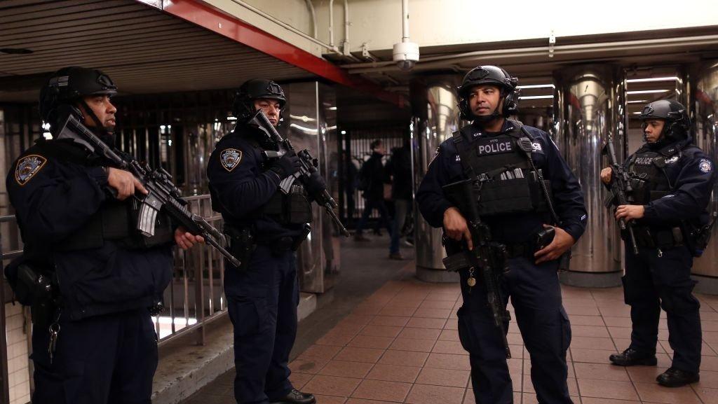 'Life-saving' bomb-detection tech needed at transit hubs, senator says