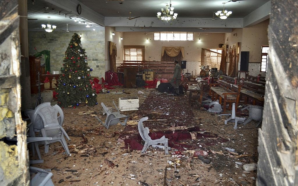 8 killed in pre-Christmas suicide bomb attack on Pakistan church