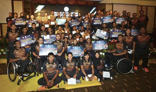 Sultan Terengganu terima insentif Sukan SEA