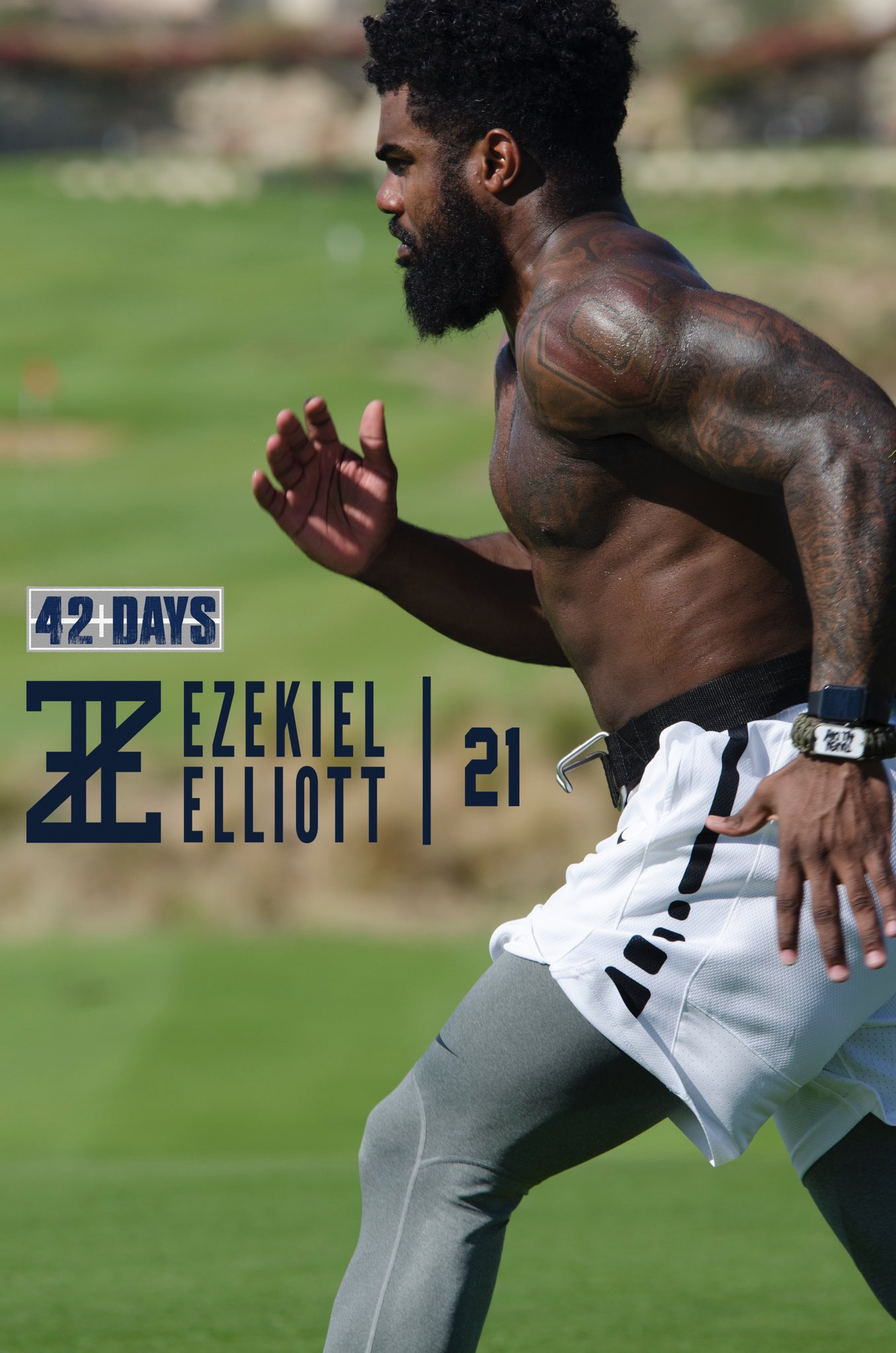 After 6 weeks of training thanks to a NFL-mandated suspension, this is what #Cowboys RB Zeke Elliott looks like now: https://t.co/7upcaegOyo