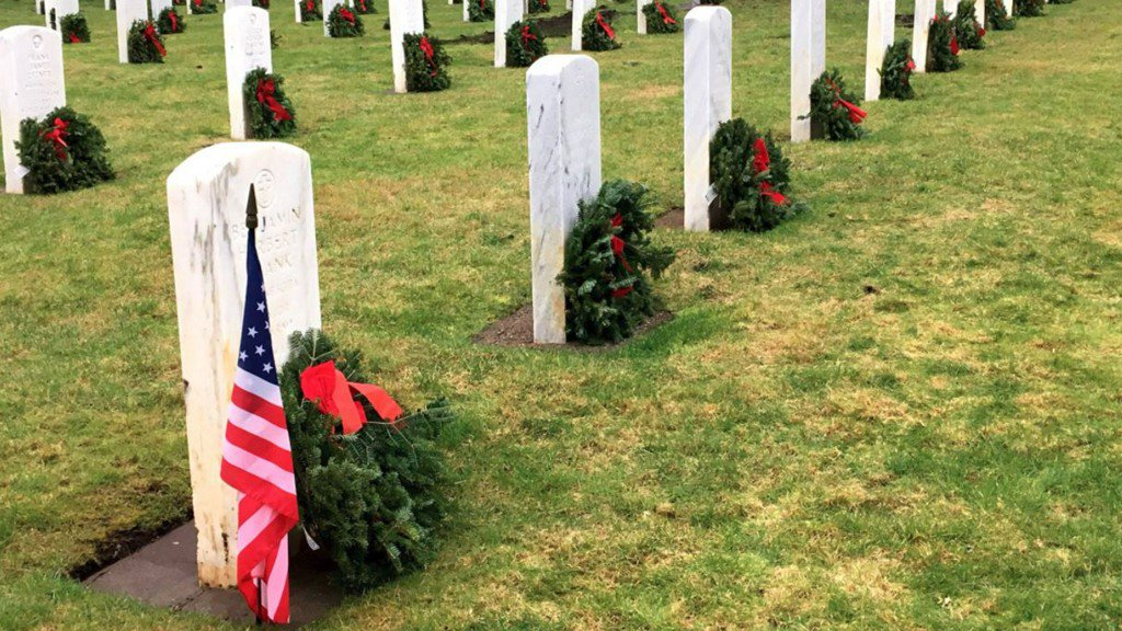 Wreaths laid at graves of veterans at JBLM