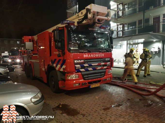 Brand in centrale container Poptahof Zuid https://t.co/WLErBbO2QB https://t.co/yJmfPREfRf