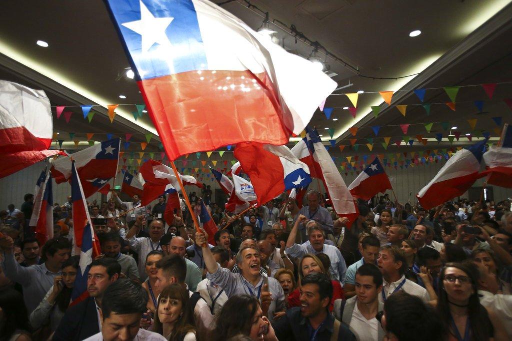 Chile: Guillier reconoce derrota en comicios presidenciales