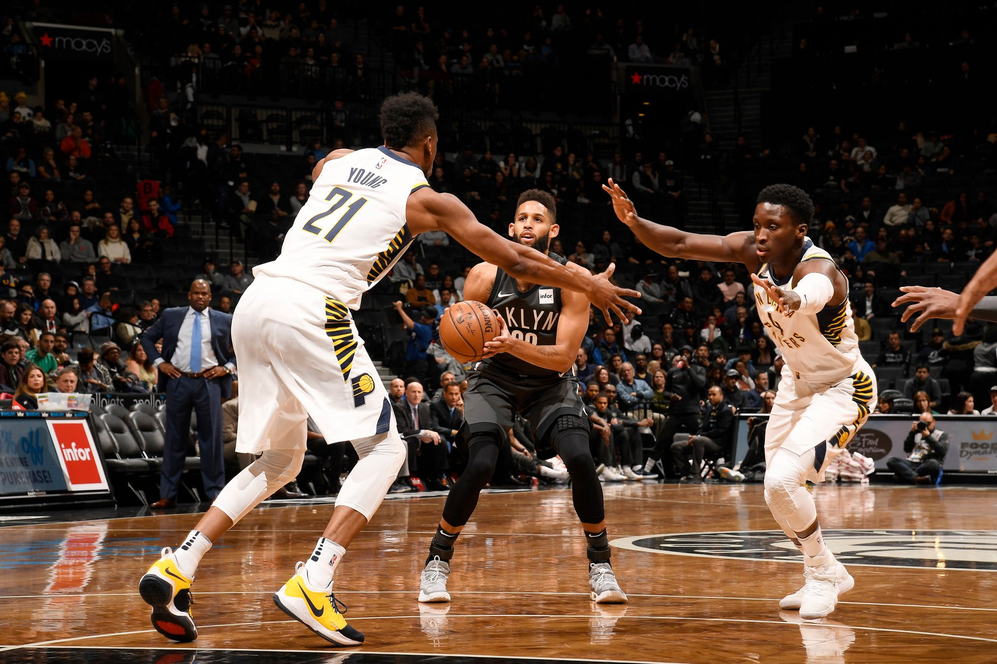 At the half, the @Pacers lead the @BrooklynNets 59-48.  Victor Oladipo: 15 PTS  Allen Crabbe: 17 PTS https://t.co/wyMIZ557cA