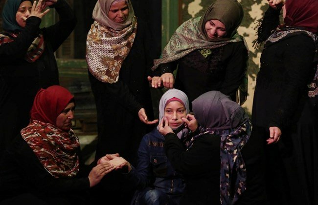 Syrian women find freedom in acting