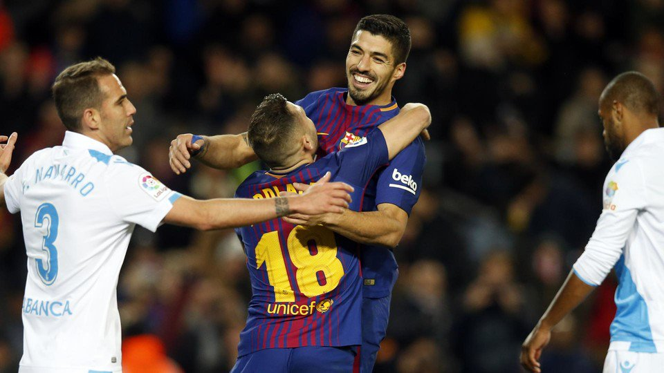�� Smiles all round as Barça beat Depor 4-0 ���� ���� #ForçaBarça https://t.co/yu3kbiEapy