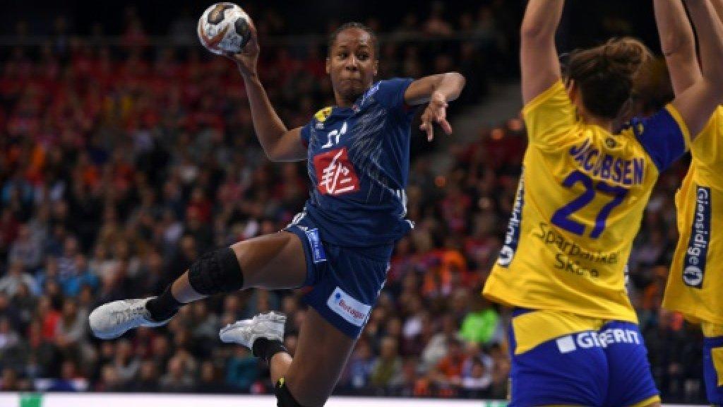 French women dethrone Norway to take handball world title