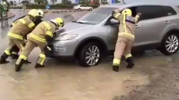 How police, civil defence rescue motorists