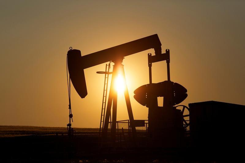 Canada oil producers exhaust options as pipelines, railroads fill