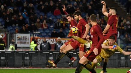Roma-Cagliari: Fazio, gol di petto nell'ultimo assalto
