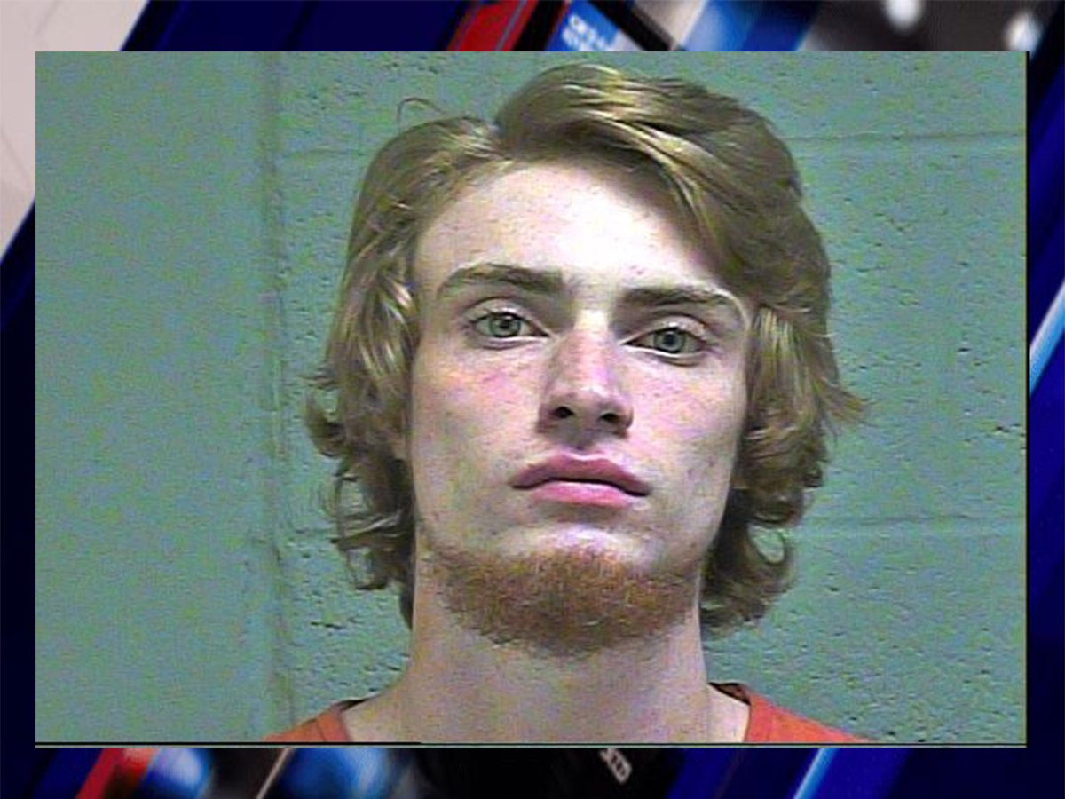Oklahoma City teen arrested for allegedly shooting woman during robbery