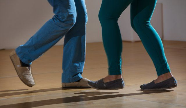 How to lead and follow a dance partner, without all that pesky memorization