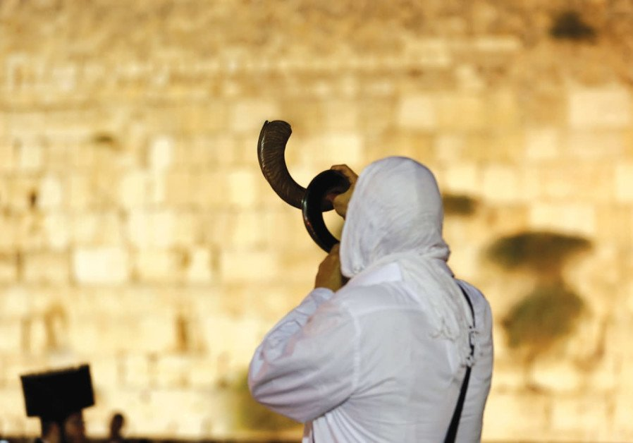 Saudi academic calls on Arabs to recognize Jewish connection to Jerusalem