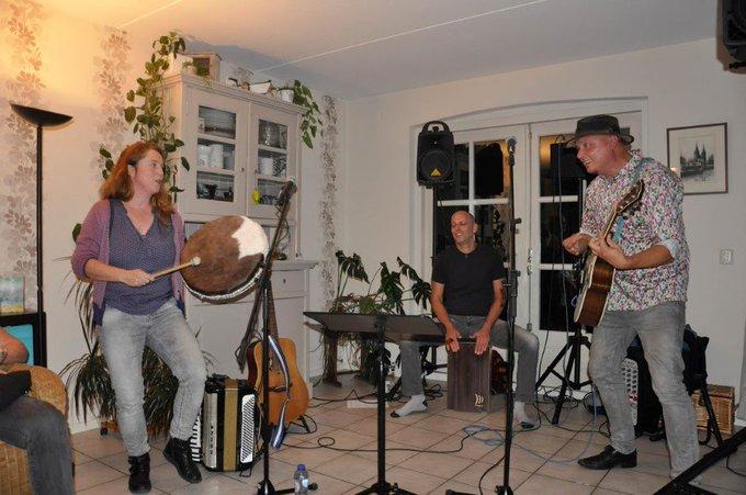 Huiskamerfestival Midden-Delfland in Den Hoorn (50e Moonwalk) https://t.co/7kva1FR9JW https://t.co/qDuBlyHlh5