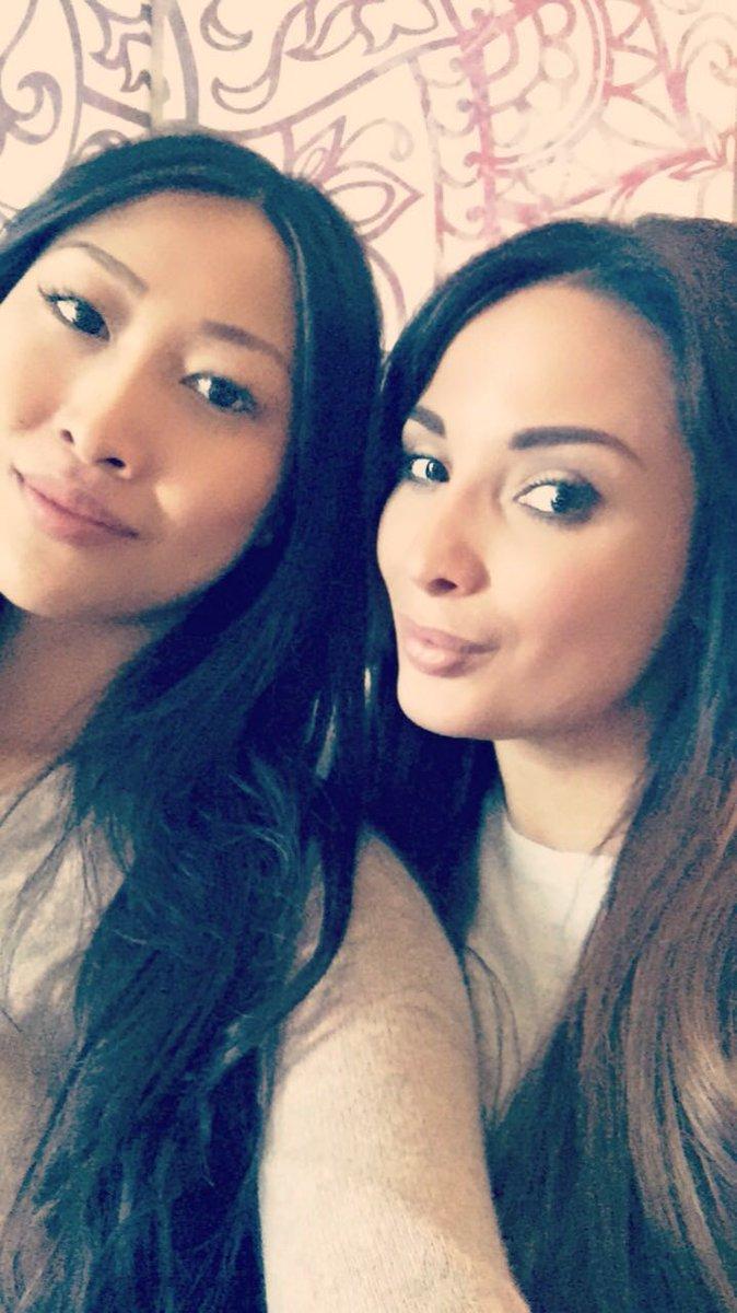 Shopping time with a good friend #sharonlee U8ddTX8rPJ