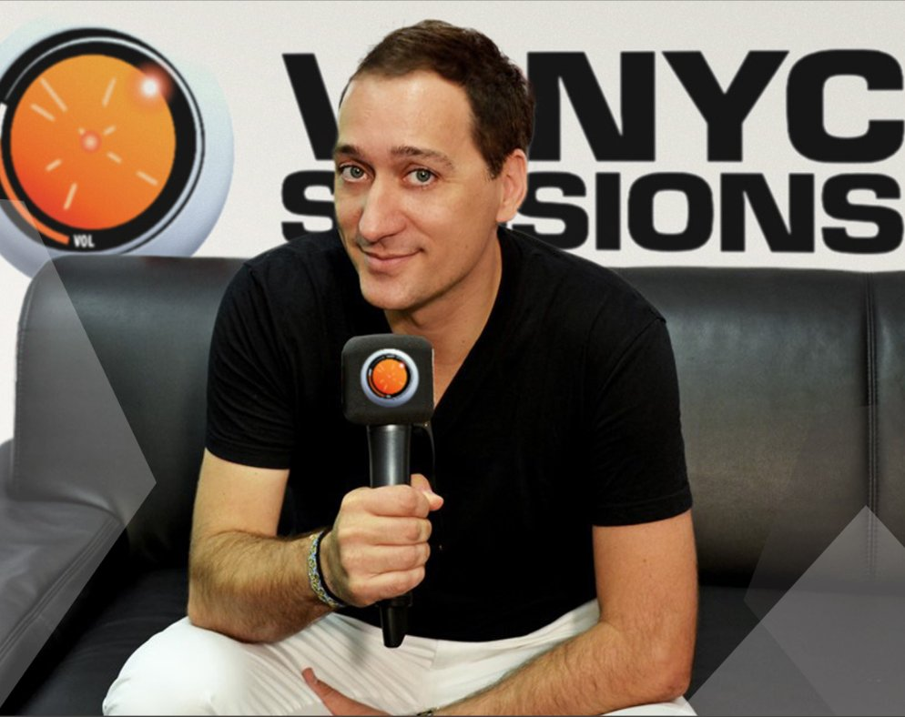 Last chance to send your Holiday wishes and song requests for VONYC Sessions 581 to vonycsessions@paulvandyk.com https://t.co/kolSM5fO7o
