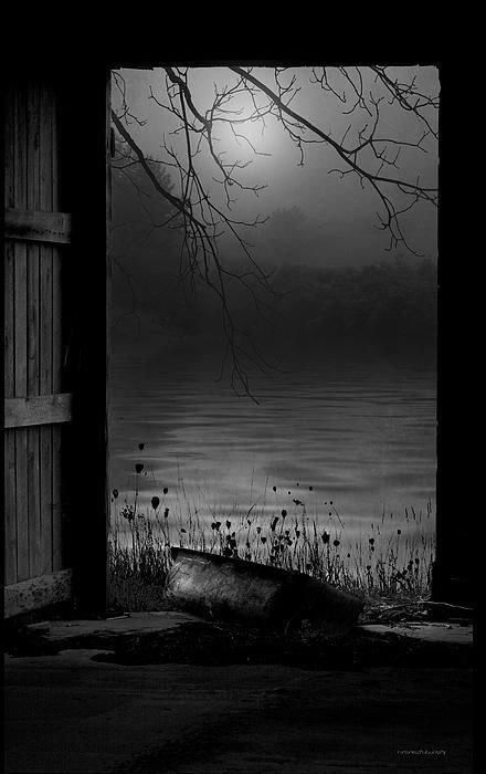 Tonight, the moon  kisses the stars. https://t.co/gUaRDUnkPj